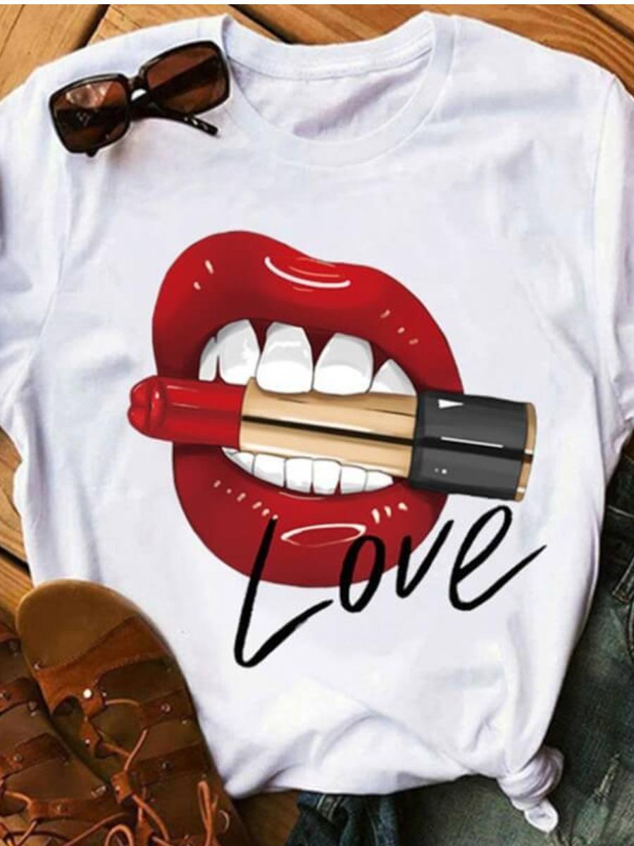 Lovely Leisure Lip Print Creamy White T-shirt